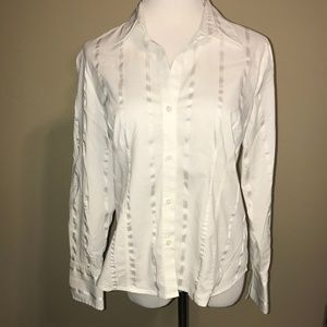 Classic Worthington Button Up Shirt